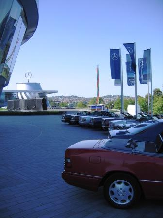2012.08.19 Cars & Coffee vor Daimler-Museum